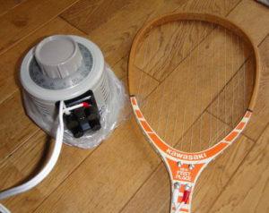 テニスラケットとニクロム線で自作したスポンジをカットする道具