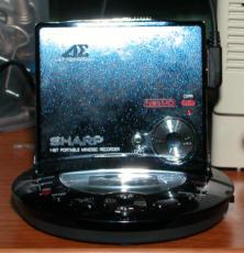 シャープのMDレコーダー MD-DR77