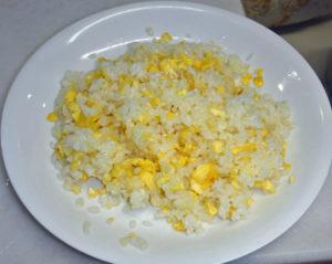 パラパラに出来た卵チャーハンの例