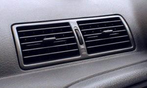 R32スカイライン エアコン吹き出し口