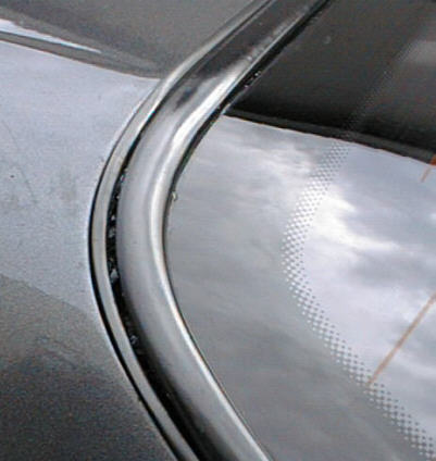 R32スカイライン リアウィンドウのエッジモール