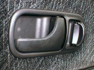 R32スカイライン 内側のドアノブ