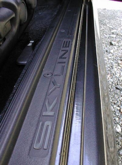 R32スカイライン スカッフプレート