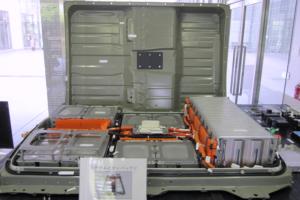 分解展示されているリーフのバッテリー
