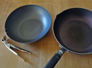 処理した鉄のフライパンとフッ素コートのフライパン