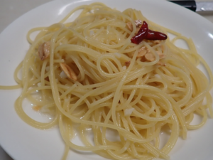 完成した湯煎ペペロンチーノ