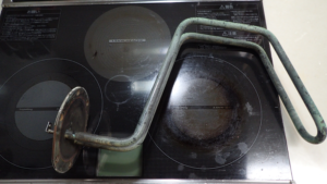 漏電した電気温水器のヒーター