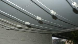 雨水誘導ワイヤーが実際に働いている様子