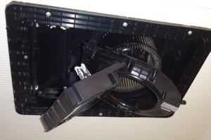 浴室暖房乾燥器 MAX-BS-141Hを分解しているところ