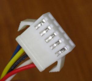 MAXの5芯リモコンコードに使われているコネクタ(本体側2)