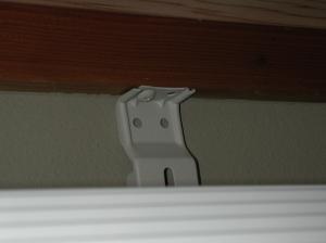 エアコン手抜き工事の例 手抜き設置されたタテ桟