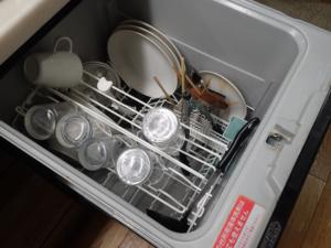 深型のビルトイン食器洗い乾燥機(パナソニック製)