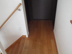 正方形の僅かな廊下の例