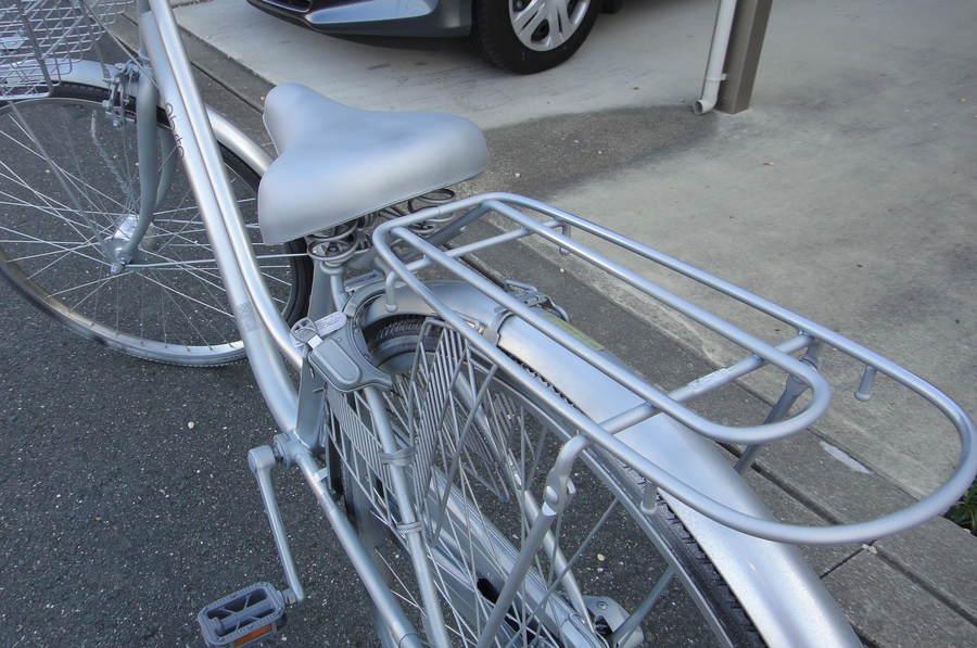 自転車の 反射板 自転車 シール : 全塗装後、反射板や防犯登録部 ...