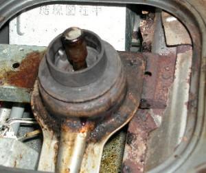 煮こぼれで錆びてしまったガステーブルのバーナー周辺