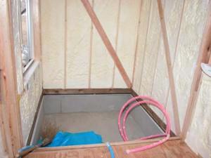 システムバスが入るエリアの断熱施工の例