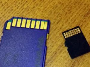 SDカードとマイクロSDカードの電極