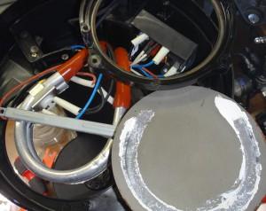 ハリオV60を分解して保温プレートを取り出した様子
