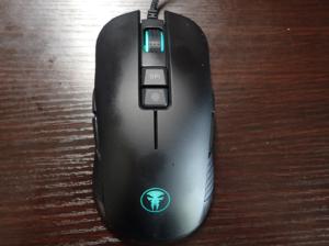 右利き左利き両用マウスの例