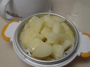 レンジでらくチン(RE-279)を使ってジャガイモを蒸したところ
