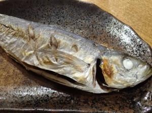 グリルで調理したアジの塩焼き