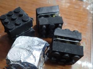 ラブロックを重ねて作った防振装置