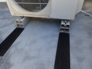 エアコン室外機用の標準的な防振ゴム