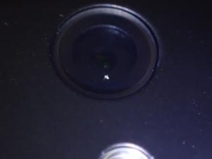 カメラのレンズに入り込んだゴミ