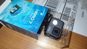 GoProHero7を元箱に戻した様子