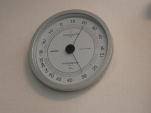 加湿中の温湿度計